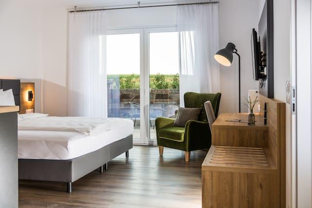 Superior mit Terrasse Apartment 60qm 90qm Waldhotel zum Bergsee Damme Hotelzimmer