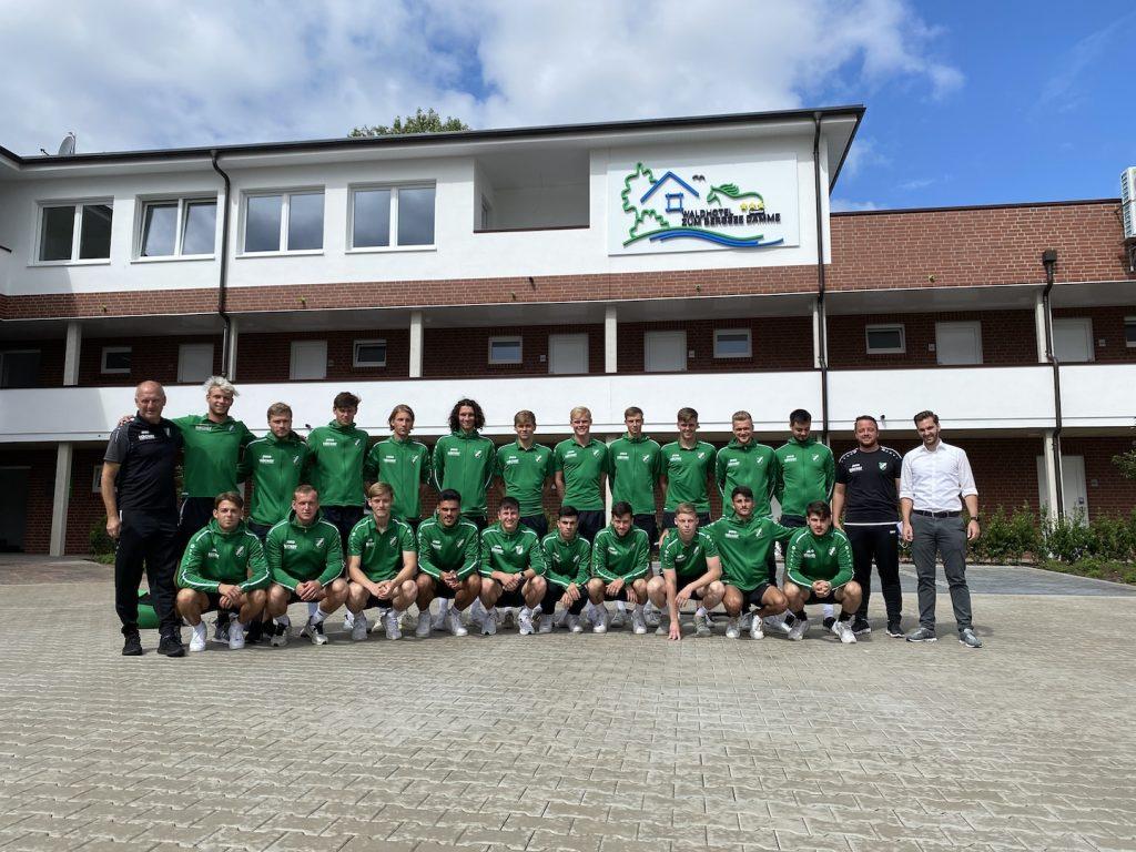 Trainingslager SV Roedinghausen U23 Manschaftsbild Waldhotel zum Bergsee Damme